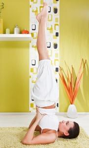 Posizione della candela yoga