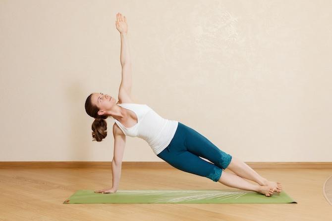 addominali yoga vasisthasana