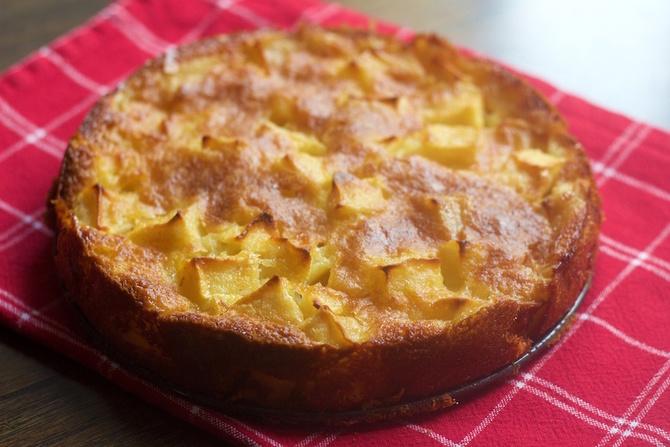 Torta di mele con miele di castagno