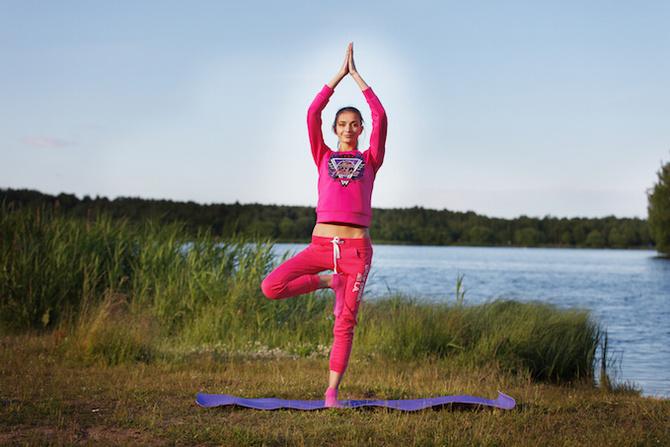 posizioni equilibrio concentrazione Vrikshasana
