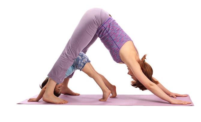 posizioni yoga bambini cane