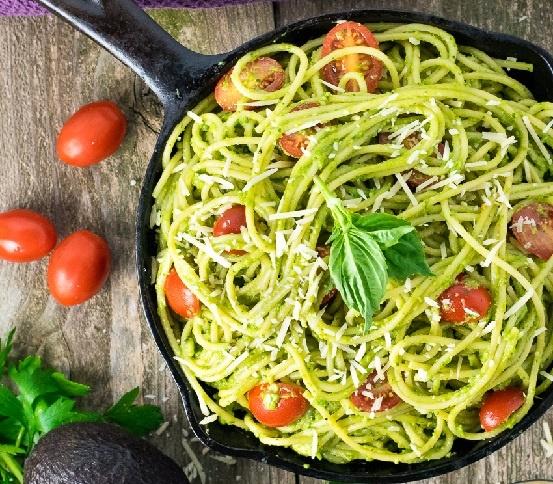 pasta-aglio-avocado