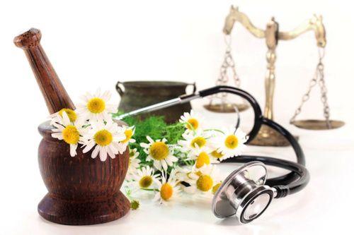 Naturopatia, benefici e controindicazioni