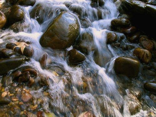 Rock water, acqua di sorgente