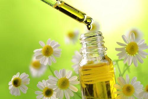 Oli essenziali per la cosmesi fai da te