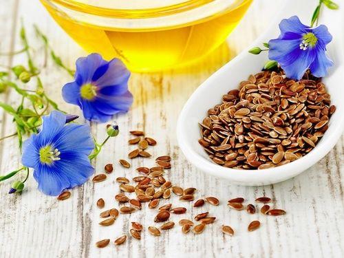 Olio di semi di lino, fonte di omega 6