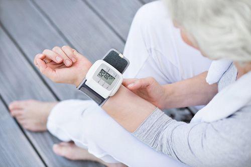 Cause, sintomi e rimedi della pressione alta