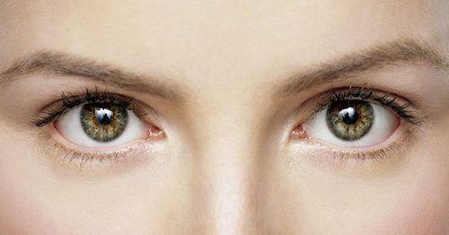 Occhi e rimedi omeopatici