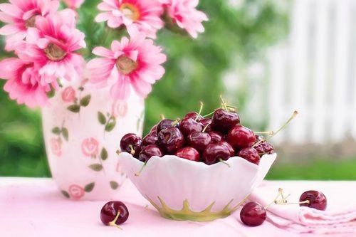 Frutta maggio: ciliegie