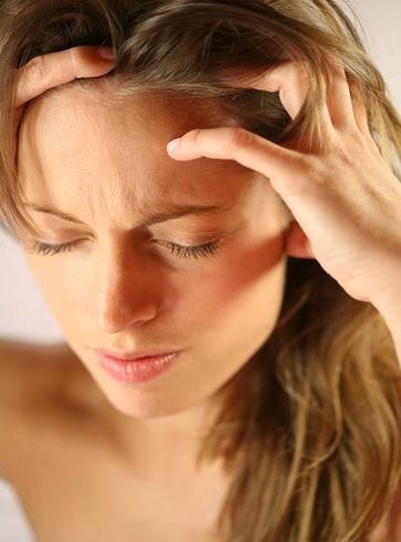 Gli oli essenziali per il mal di testa