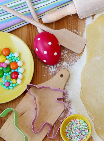 Dolce di Pasqua: fragole, cioccolato e biscotti