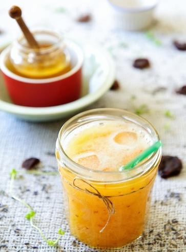 Centrifugato con miele e frutta