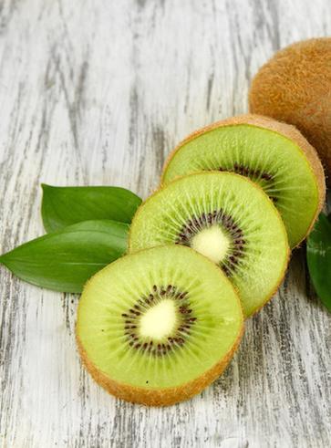 I kiwi e il fabbisogno giornalieri di vitamina C