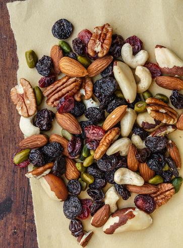 Cataratta e vitamina E: semi oleosi e frutta secca