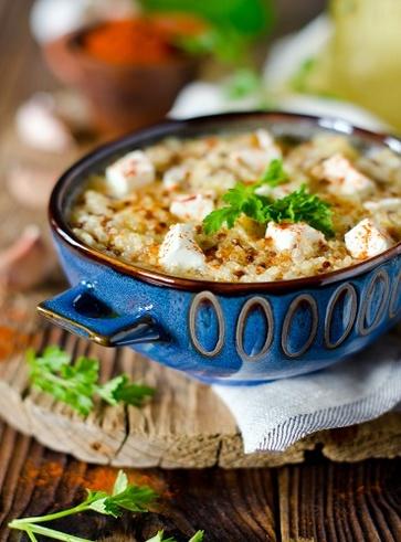 Insalata di quinoa e riso integrale alla greca