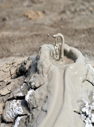 Macalube, terra argillosa, in Sicilia