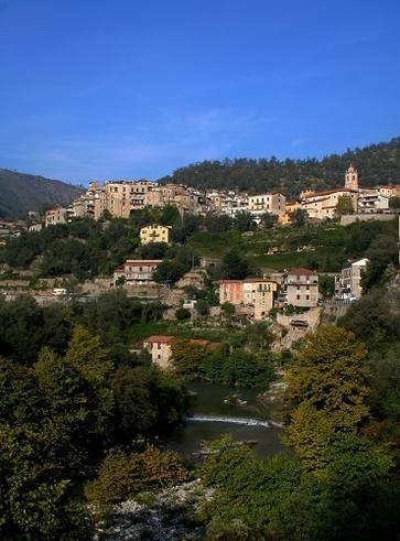 Airole, gli stranieri comprano la Liguria