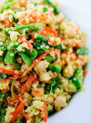 Ricette vegan con gli asparagi: insalata asparagi e ceci
