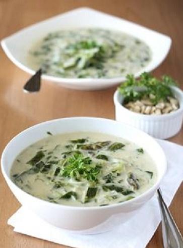 Ricette vegan con gli asparagi: Minestra di asparagi