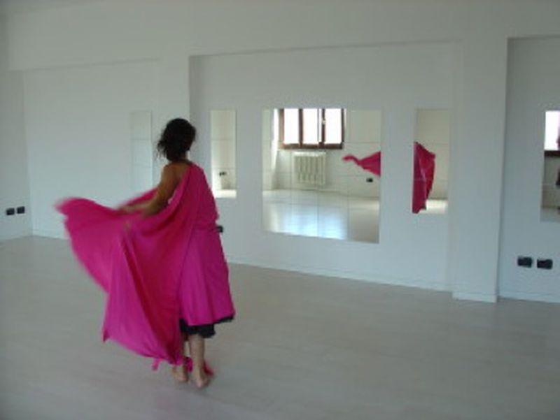 Portare fuori il mondo interiore. Intervista sulla danzaterapia a Elena Maria Fossati