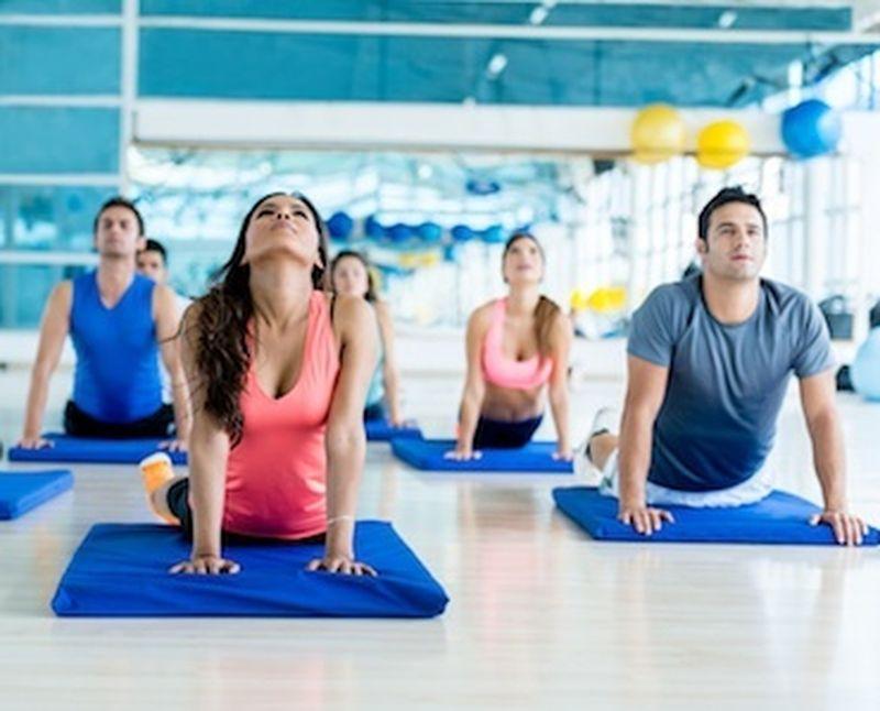 Lo Yoga vi fa belli: perdere peso con lo yoga