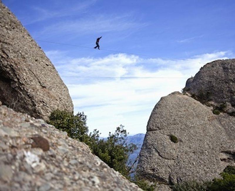 Highline: slackline, cielo, anima, montagne