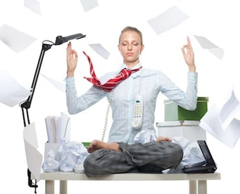 Yoga, il miglior partner in ufficio