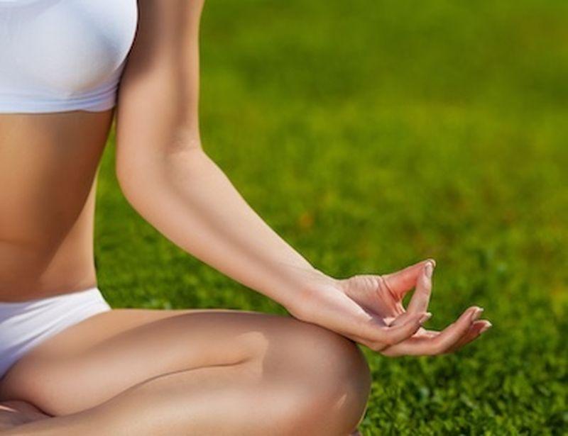 Radicati a terra con lo yoga