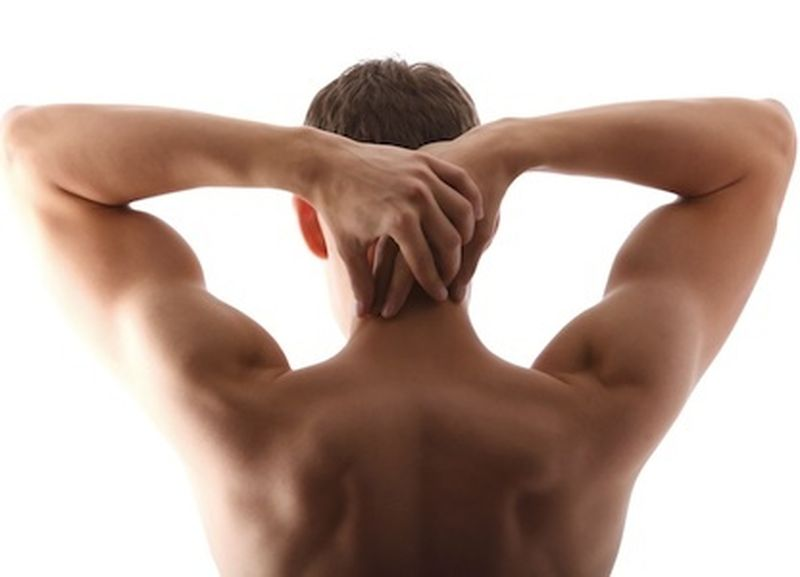 3 esercizi per fortificare le spalle, naturalmente