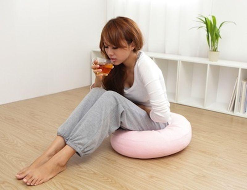 Allevia i dolori mestruali con 3 rimedi fitoterapici