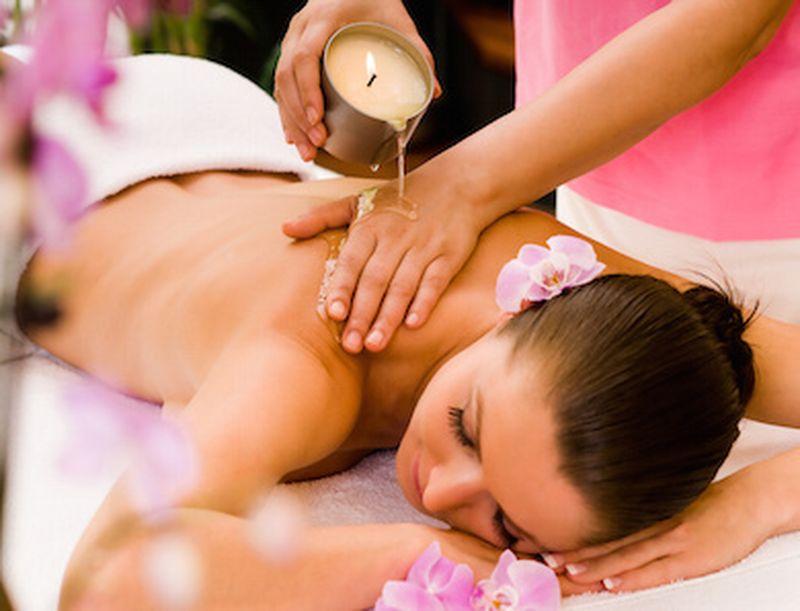 Come usare le candele da massaggio