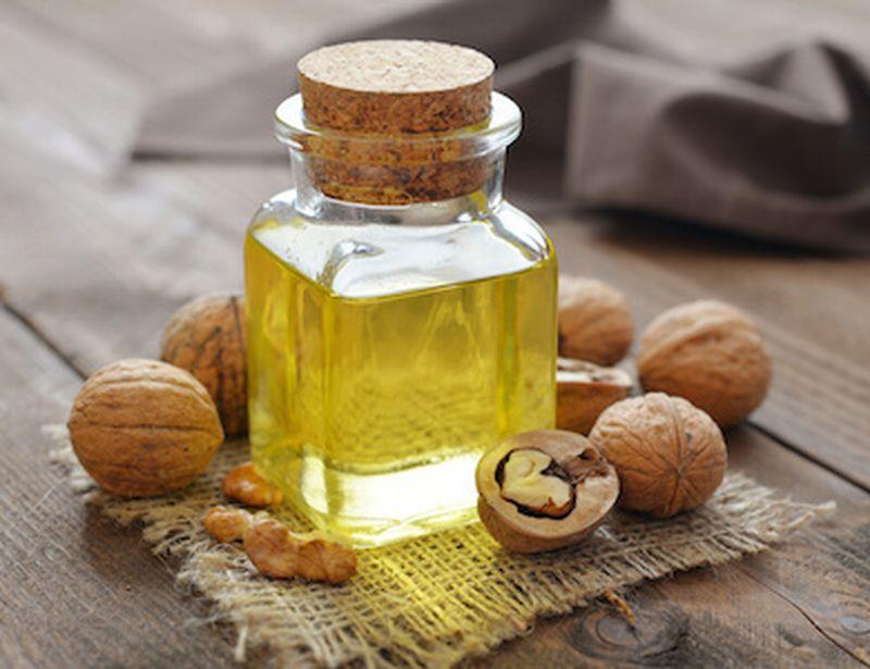 Olio di noci: tutti gli usi e le proprietà