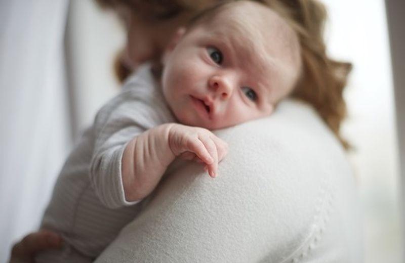 Rimedi per il reflusso gastroesofageo nei neonati