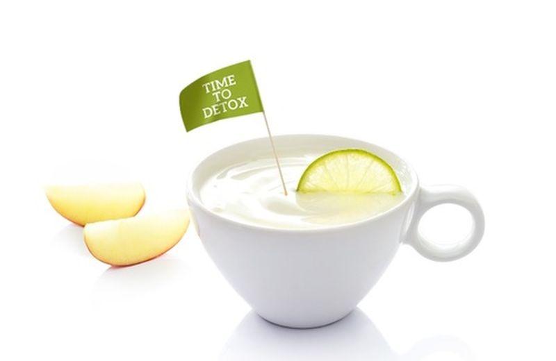 Acqua e limone, il rimedio detox che aiuta a dimagrire