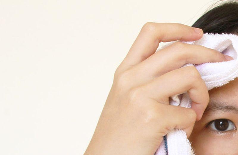 Tonici naturali per pelli grasse e impure