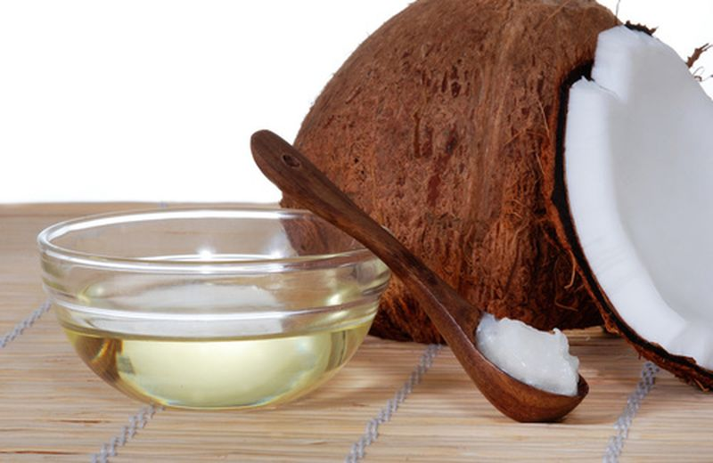 Olio di cocco per capelli: 2 ricette cosmetiche