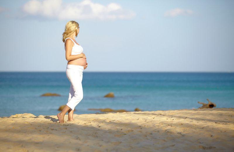 In gravidanza, cullate dal mare