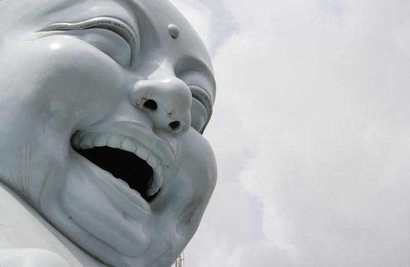 Stare bene con lo yoga della risata