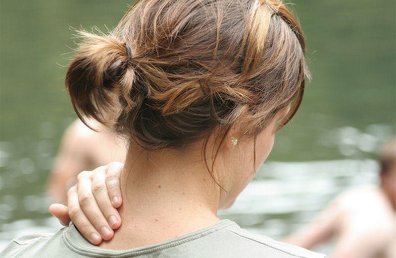 Stop al dolore cervicale con la riflessologia facciale