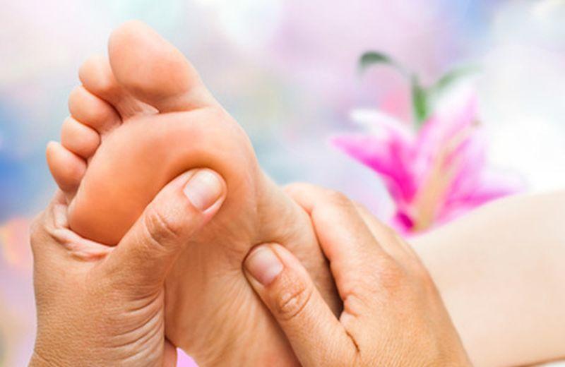 Le zone riflesse del piede: lo stomaco