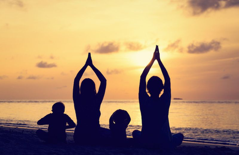 Praticare yoga con i figli
