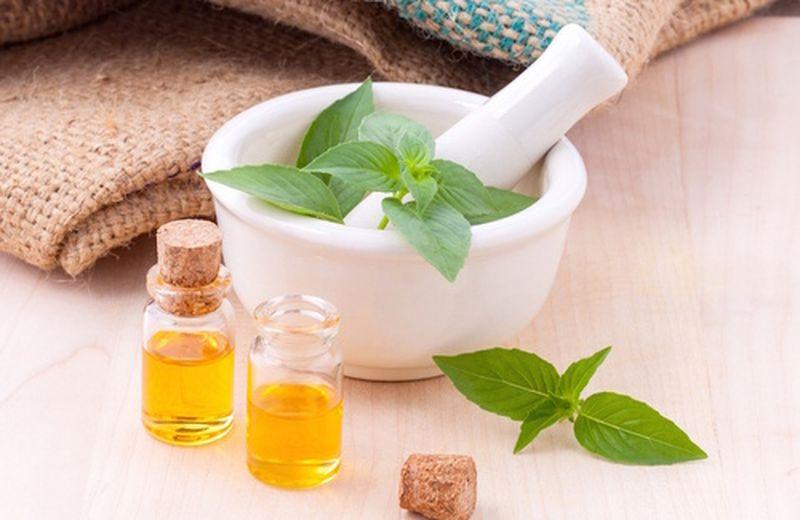 Gli oli essenziali per i traumi e le lesioni