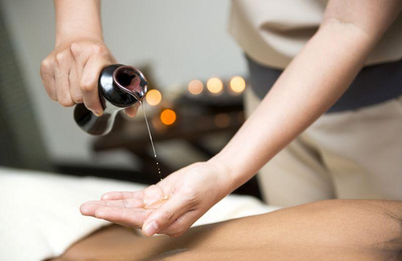 Massaggio ayurvedico: quali oli usare
