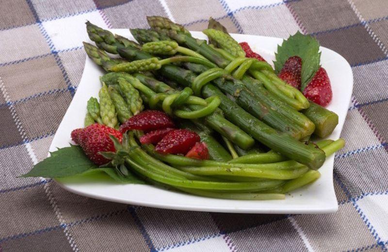Frutta e verdura nel carrello di marzo