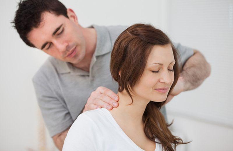 Il massaggio alla cervicale: quando e come farlo