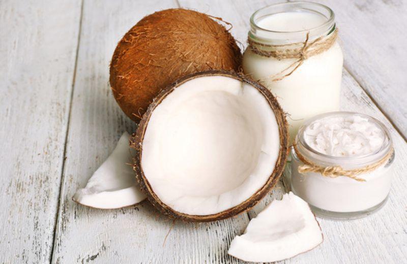 Gli usi cosmetici del latte di cocco