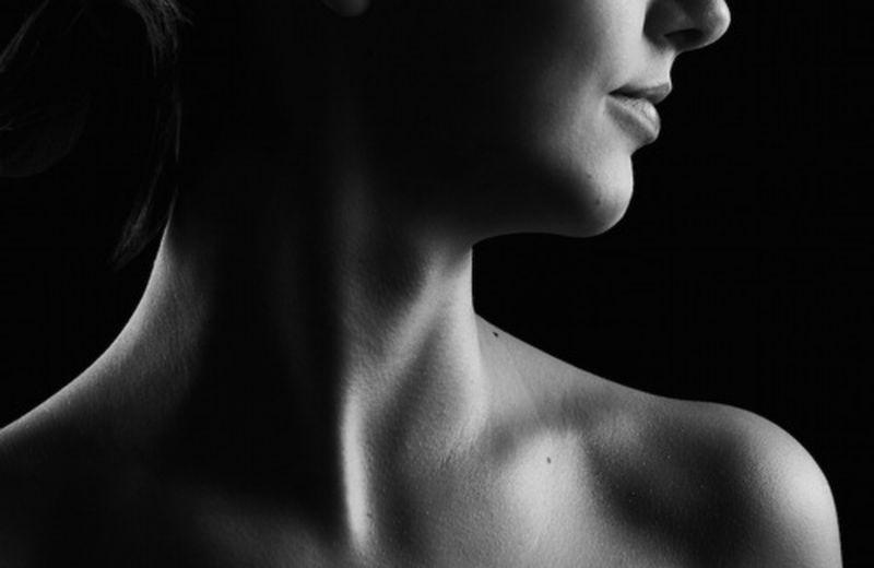 Dolore al collo: sintomi, cause e terapie