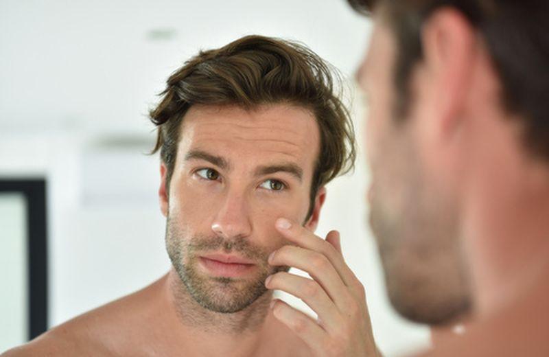 Miscele di oli essenziali per la pelle grassa del viso