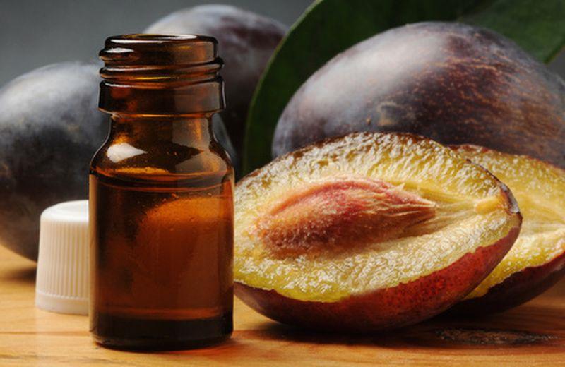 L'olio di prugna: proprietà e usi