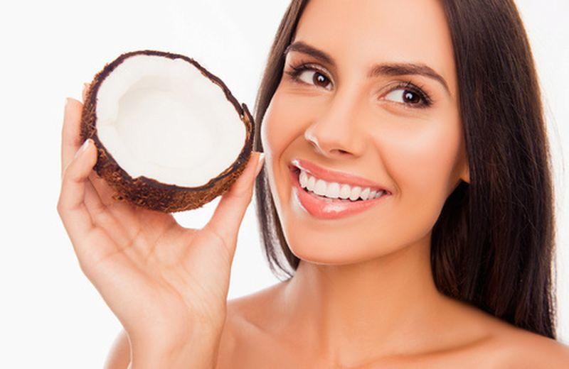 L'olio di cocco aiuta a sbiancare i denti?